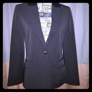 Black pleated Adolfo blazer